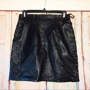 Cedars black leather skirt stitched side detail